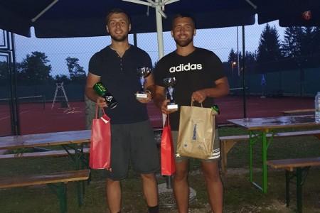 Braća Milan i Tomislav Premuž dominiraju gospićkim tenisom