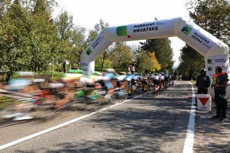 Druga etapa velike biciklističke utrke CRO race  prošla kroz Liku