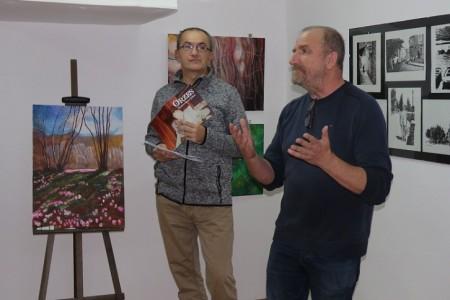 U galeriji LU u Gospiću predstavlja se Anton Orzes, slikar  za kojega je umjetnost putovanje