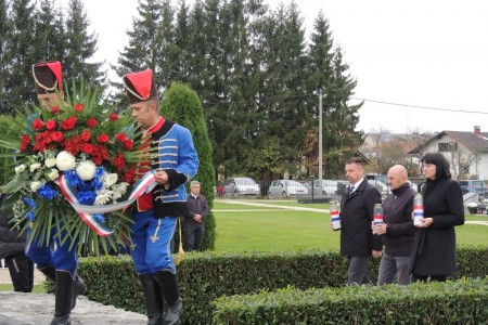 Povodom dana Svih Svetih sjećanje na poginule hrvatske branitelje, civilne žrtve Domovinskog rata i sve mrtve