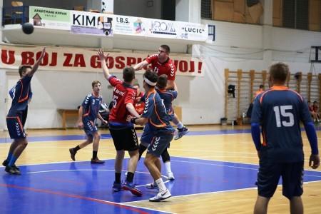 BRAVO: seniori RK Gospić sedmom pobjedom u nizu ušli u tijesnu borbu za drugu hrvatsku ligu!!!