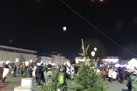 Lampioni osvijetlili nebo iznad Gospića!