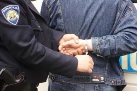 Dvije osobe osumnjičene za više kaznenih djela nakon prometne nesreće