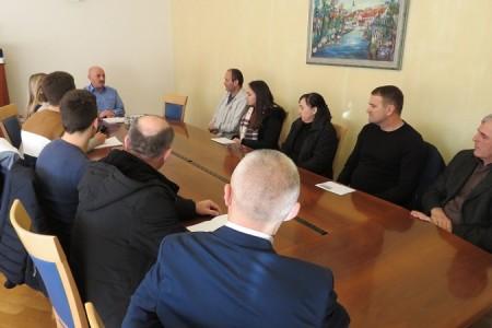 Karlo Starčević i ove godine iz svoje gradonačelničke plaće i osobnih sredstava stipendira studente