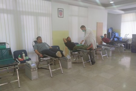 Gospićki darivatelji krvi,  usprkos korona virusu,  pokazali veliko srce!!!