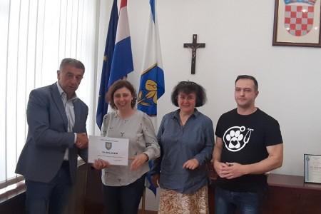 Županija s 10,000 kuna sufinancira rad udruge AnimalLika