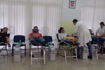Još jednom veliko srce gospićkih darivatelja krvi, prikupljeno 147 doza tekućine koja život znači!!!
