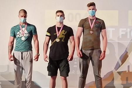"""BRAVO: 15-godišnji Gospićanin Rino Mašić """"rasturio"""" na državnom prvenstvu u obaranju ruku!!!"""