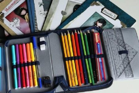 Grad Gospić osigurao besplatne radne bilježnice za prvašiće i likovne mape i tehničke kutije za sve učenike gradskih osnovnih škola