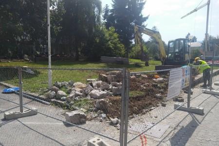 KONAČNO: počeli radovi na uređenju teslina trga kod KIC-a, spomenik Tesli vraća se u Gospić