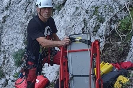 BRAVO za gospićke gorske spašavatelje: spašena penjačica s Bačića kuka