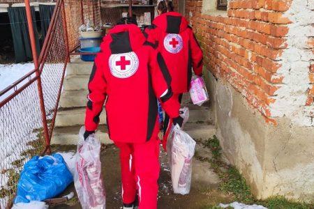 I četvrti tim iz Crvenog križa Gospić je na terenu pogođenom potresom.