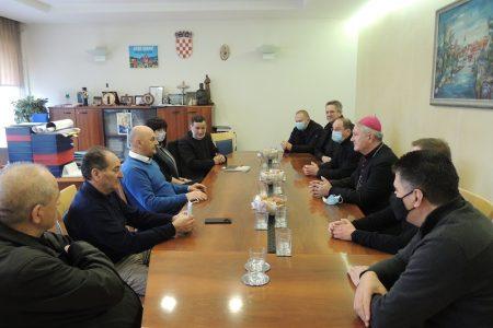 Biskup mons. Zdenko Križić u sklopu kanonske vizitacije posjetio Grad Gospić