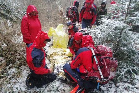 BRAVO: Gospićki gorski spašavatelji i danas spašavaju ljude po Velebitu!!!