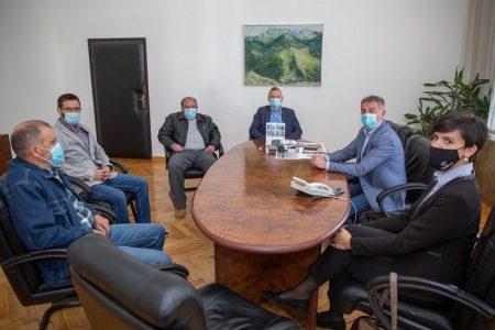 Atletičari gospićkog Velebita na prijemu kod župana Milinovića