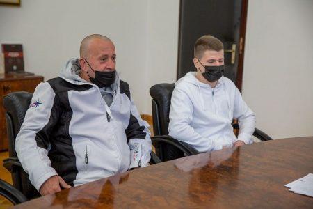 Župan se sastao s mladim boksačem Andrijom Tomićem