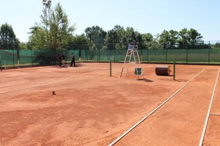 Konačno obnova teniskog igrališta u Gospiću