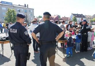 Izložba u susret Danu policije