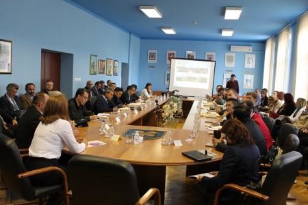 Predstavnici dvadesetak stranih veleposlanstava u obilasku Like