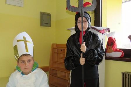 Sveti Nikola na Dječjem odjelu gospićke bolnice