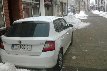 U Gospiću i dalje parkiraj gdje stigneš