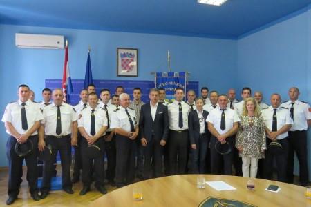 Hrabri vatrogasci, ponos Like i Ličana!!!!!