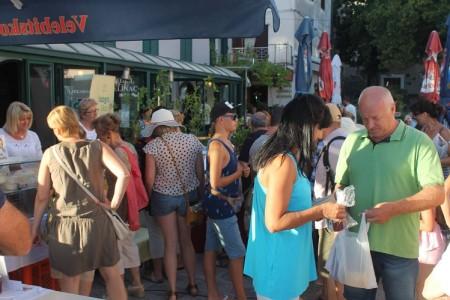 Seljačka tržnica LAG-a Lika u Karlobagu prošla odlično