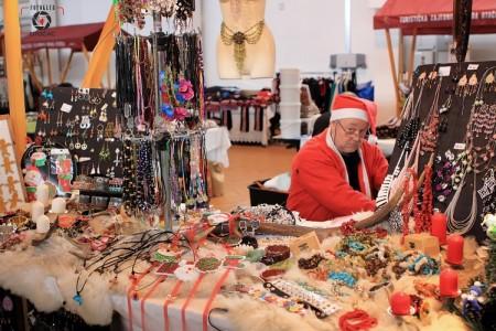 Uspješan Božićni sajam u Otočcu