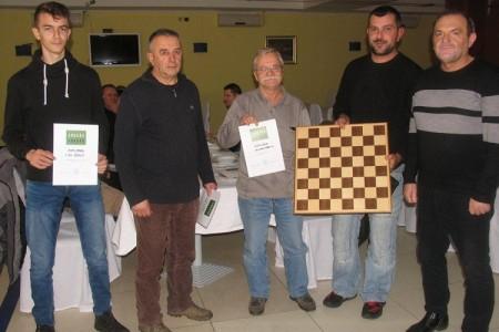 Goran Tomljanović iz Senja osvojio memorijalni šahovski Božićni turnir