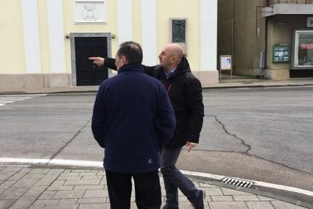Gradonačelnik Starčević obišao gradsku tržnicu i nekoliko prometno kritičnih točaka