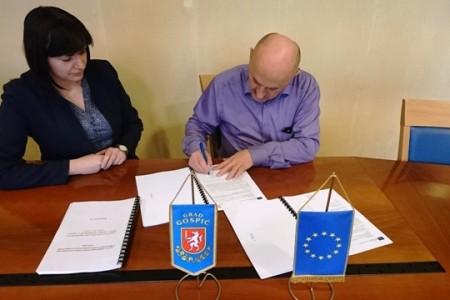 """Potpisan Ugovor o financiranju projekta """"U zagrljaju zdrave prehrane"""""""