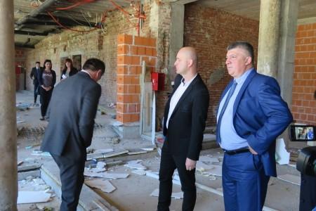 Sada se vidi kako je ministar Tolušić podržao projekt u Ličkom Osiku. Tresla se brda, rodio se miš!