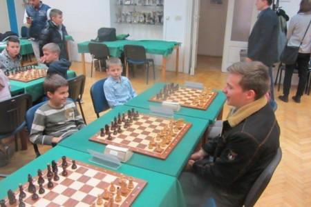 Na kadetskom turniru u šahu Pavletić ponovno među najboljima