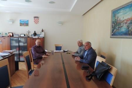 Gradonačelnici Gospića, Delnica i Petrinje od Vlade RH tražit će strateški program za Gorski Kotar,Liku, Banovinu i Dalmatinsku Zagoru
