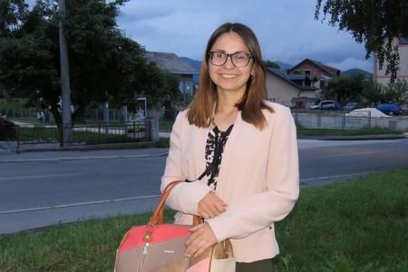 Lijepa priča iz Gospića- Maria Ćaćić, vijećnica gospićkog gradskog Vijeća besplatno uči mlade Gospićane Francuski jezik!!!