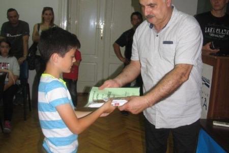 Novi uspjesi mladih gospićkih šahista, Mirko Pavletić trenutno drugi među 75 šahista!!!