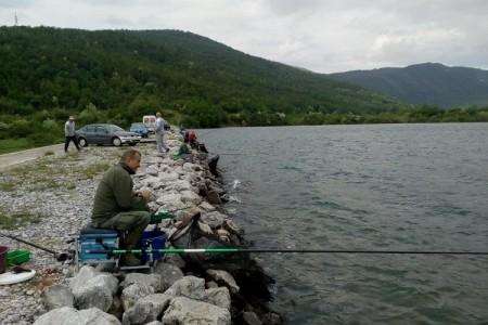 Ribiči iz Gračaca i Gospića plasirali se na zonsko natjecanje u Pazinu