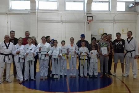 Od danas devet članova taekwondo kluba Lički Osik ima školske pojaseve!!!