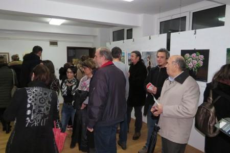 Članovi Likovne udruge Lika predstavljaju svoje radove u galeriji udruge