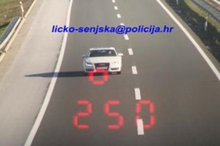 Poligon ili autocesta? Austrijanac po Dalmatini vozio 251 na sat