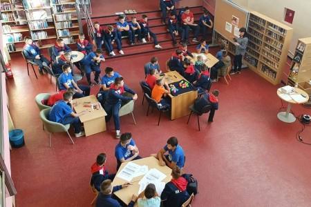 Mladi gospićki rukometaši na predavanju o stresu u sportu i psihološkoj pripremi sportaša