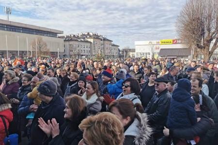 Gospićani se uz Kiću i tamburaške svevremenske hitove oprostili od 2019.