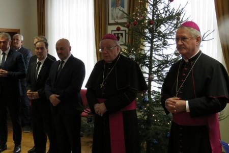 Alarmantno: prošle godine na području Gospićko-senjske biskupije 583 krštenja i 1,201 umrla osoba!