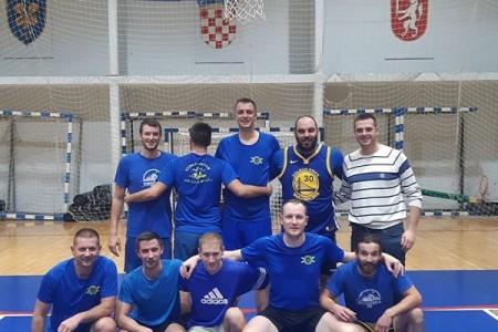 U finalu Zimske košarkaške lige Taktičari sa šanka i Drink team