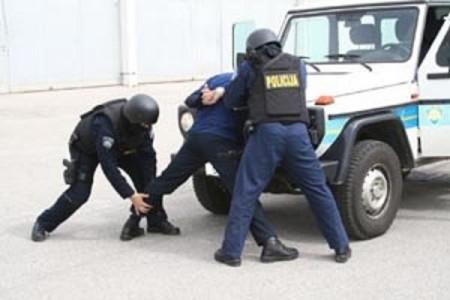 42-godišnjak iz Senja  osumnjičen za 28 kaznenih djela na području Policijskih uprava ličko-senjske i primorsko-goranske