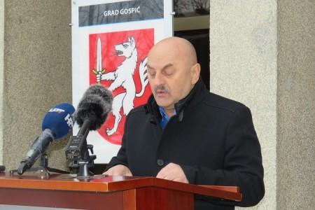 Gradonačelnik donio Odluku o oslobađanju plaćanja zakupnine, odnosno naknade za korištenje javnih površina i dijelova neizgrađenoga građevinskog zemljišta
