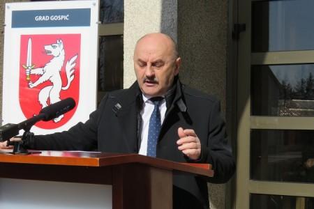 POHVALNO: Grad Gospić opet pomaže poduzetnike ugrožene epidemijom, gradonačelnik Starčević od gradskog Vijeća traži oslobađanje gospodarstvenika  od  poreza na potrošnju