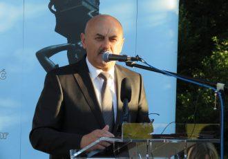 LIJEPO: Gradonačelnik Karlo Starčević i u novom mandatu svojom plaćom stipendira studente