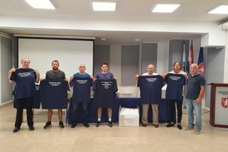 Zajednica sportova Ličko-senjske županije pojedinim članicama dodijelila promotivne sportske majice