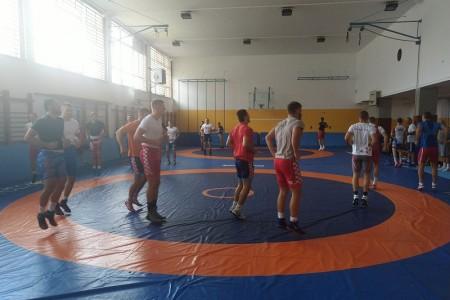 U Gospiću su na pripremama hrvačke reprezentacije Moldavije,Švedske i Hrvatske